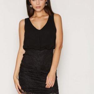 Nly One Chiffon Top Lace Dress Kotelomekko Musta