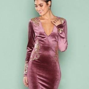 Nly One Decore Velvet Dress Kotelomekko Vaaleanpunainen