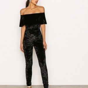 Nly One Frill Velvet Jumpsuit Musta