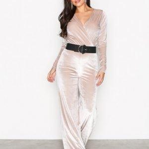 Nly One Glamorous Velvet Jumpsuit Ivory