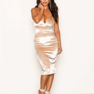 Nly One High Shine Velvet Dress Kotelomekko Champagne
