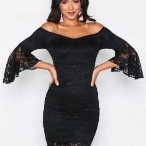 Nly One Off Shoulder Lace Dress Kotelomekko Musta