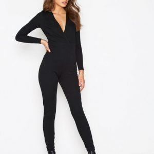 Nly One Plunge Neck Jumpsuit Musta