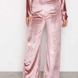 Nly One Shimmer Velvet Pant Housut Vaaleanpunainen