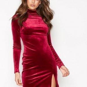 Nly One Thigh Slit Velvet Dress Kotelomekko Punainen
