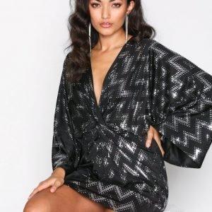Nly One Twist Luxe Midi Dress Loose Fit Mekko Musta