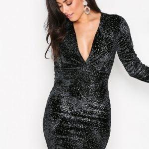 Nly One V Drop Formation Dress Kotelomekko Musta