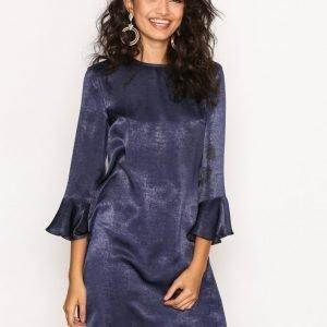 Nly Trend All About The Sleeve Dress Loose Fit Mekko Tummansininen