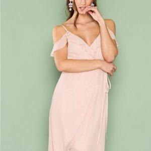 Nly Trend Cold Shoulder Wrap Dress Loose Fit Mekko Vaalea Pinkki