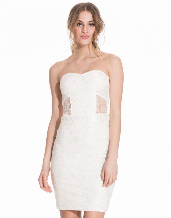 Nly Trend Covered In Lace Dress Kotelomekko Valkoinen - Vaatekauppa24.fi 68d1aead63