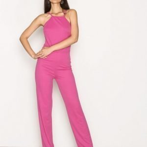 Nly Trend Crepe Neckline Jumpsuit Strong Pink