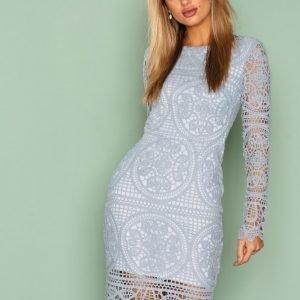 Nly Trend Crochet Midi Dress Kotelomekko Vaaleanharmaa