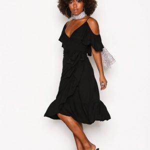 Nly Trend Dancing Summer Dress Loose Fit Mekko Musta
