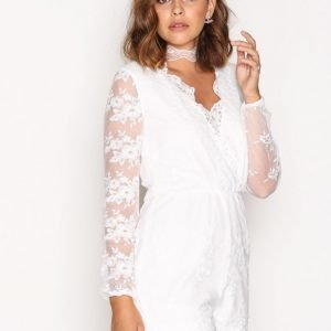 Nly Trend Dreamy Lace Playsuit Valkoinen