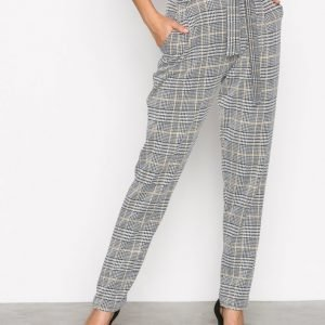 Nly Trend Dressed Check Pants Housut Ruudullinen