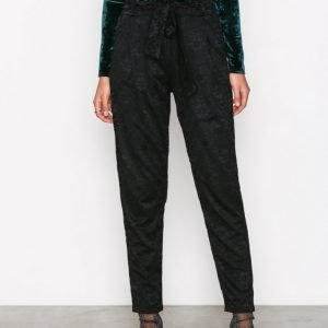 Nly Trend Dressed Lace Pants Housut Musta