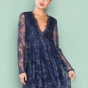 Nly Trend Exclusive Dress Loose Fit Mekko Tummansininen