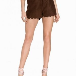 Nly Trend Fake It Suede Shorts Shortsit Tummanruskea