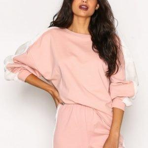 Nly Trend Faux Fur Sweat Svetari Vaaleanpunainen / Valkoinen