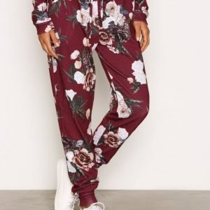 Nly Trend Flower Joggers Housut Burgundy