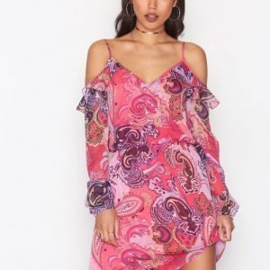 Nly Trend Frill Me Dress Loose Fit Mekko Tumma Vaaleanpunainen