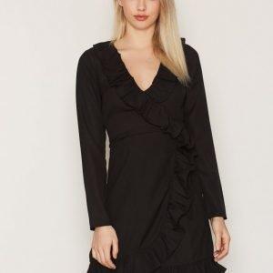 Nly Trend Frill Wrap Dress Pitkähihainen Mekko Musta
