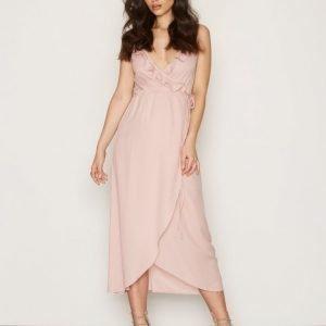 Nly Trend Frill Wrap Strap Long Dress Kotelomekko Vaalea Pinkki
