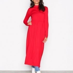 Nly Trend Gathered Turtleneck Dress Loose Fit Mekko Punainen
