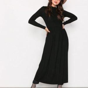 Nly Trend Gathered Turtleneck Dress Pitkähihainen Mekko Musta