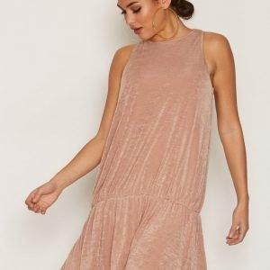 Nly Trend Glam Flounce Dress Loose Fit Mekko Rose