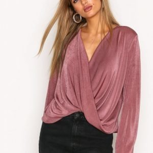 Nly Trend Glam Wide Wrap Top Pitkähihainen Paita Dark Rose
