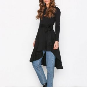 Nly Trend High Low Frill Ls Dress Pitkähihainen Mekko Musta