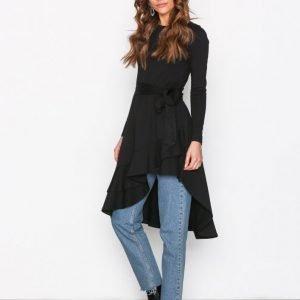 Nly Trend High Low Frill Ls Dress Pitkähihainen Mekko Musta