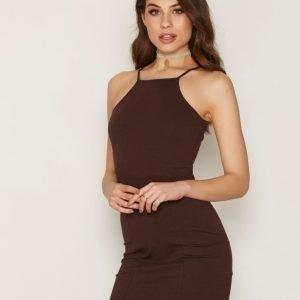 Nly Trend High Neckline Dress Kotelomekko Ruskea