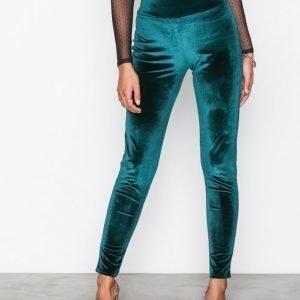 Nly Trend High Waist Velvet Legging Leggingsit Tummanvihreä