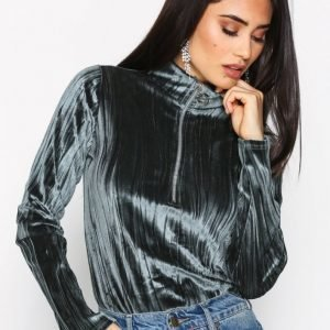Nly Trend Loop Zip Velvet Top Poolopusero Vihreä