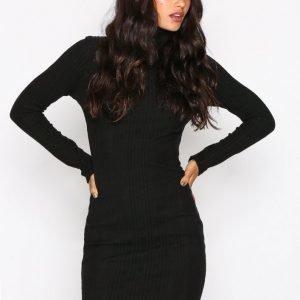 Nly Trend Overfold Brush Rib Dress Pitkähihainen Mekko Musta
