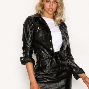 Nly Trend Patent Glam Jacket Nahkatakki Musta
