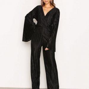 Nly Trend Pleated Kimono Jumpsuit Musta
