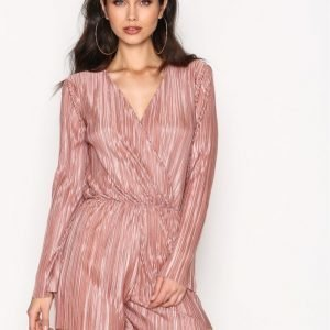 Nly Trend Pleated Playsuit Rose