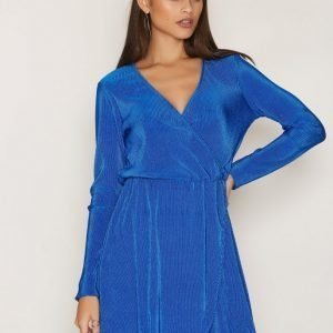 Nly Trend Pretty Pleats Dress Pitkähihainen Mekko Cobolt Blue
