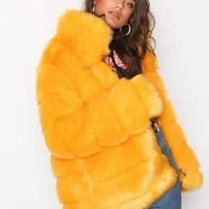 Nly Trend Puffy Fur Coat Tekoturkki Keltainen