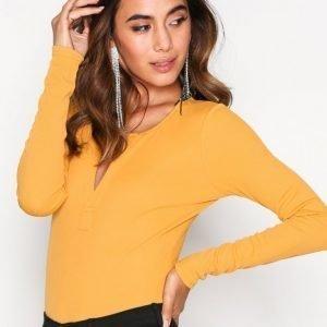 Nly Trend Rib V Body Mustard