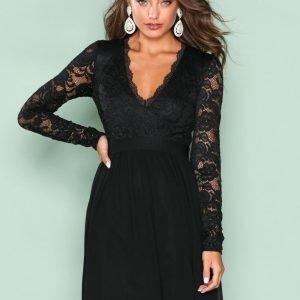 Nly Trend Scalloped Lace Prom Dress Skater Mekko Musta