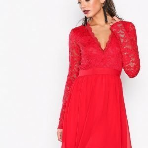 Nly Trend Scalloped Lace Prom Dress Skater Mekko Punainen