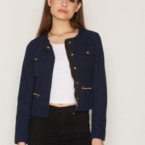 Nly Trend Short Detailed Jacket Jakku Tummansininen