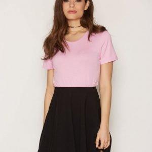 Nly Trend Simple Skater Skirt Minihame Musta