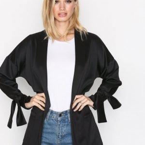 Nly Trend Tie Sleeve Jacket Jakku Musta