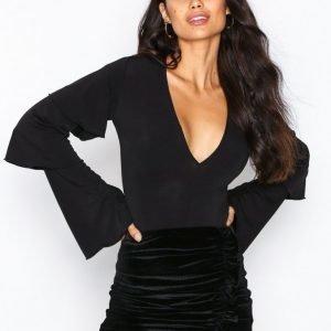 Nly Trend Velvet Flounce Skirt Minihame Musta