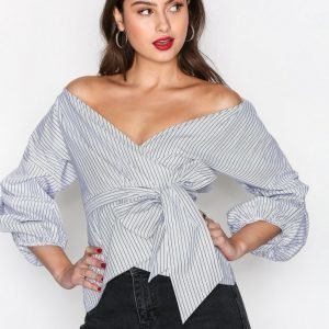 Nly Trend Wrap Shoulder Blouse Arkipaita Stripes